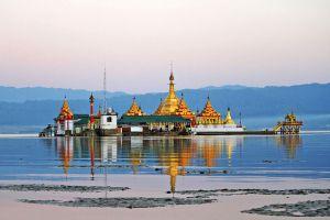 Shwe-Myitzu-Pagoda-Mohnyin-Kachin-State-Myanmar-003.jpg