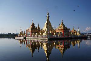 Shwe-Myitzu-Pagoda-Mohnyin-Kachin-State-Myanmar-004.jpg