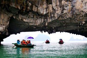 Signature-Cruise-Halong-Vietnam-Activity.jpg