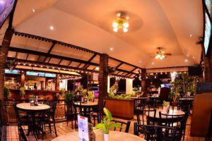 Silom-Village-Inn-Bangkok-Thailand-Restaurant.jpg