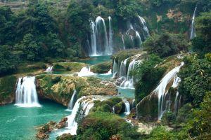 Silver-Waterfall-Lao-Cai-Vietnam-001.jpg