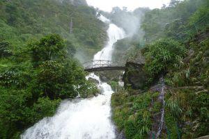 Silver-Waterfall-Lao-Cai-Vietnam-003.jpg
