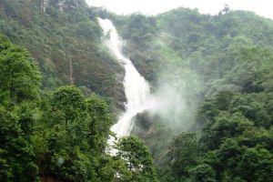 Silver-Waterfall-Lao-Cai-Vietnam-004.jpg