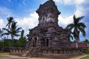 Singasari-Temple-East-Java-Indonesia-001.jpg