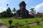 Singasari-Temple-East-Java-Indonesia-003.jpg