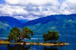 Singkarak-Lake-West-Sumatra-Indonesia-001.jpg
