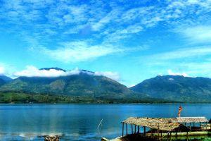 Singkarak-Lake-West-Sumatra-Indonesia-002.jpg