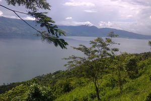 Singkarak-Lake-West-Sumatra-Indonesia-005.jpg