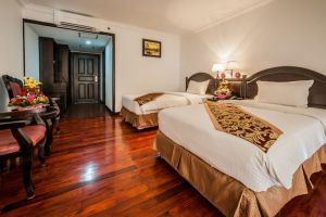Smiling-Hotel-Spa-Siem-Reap-Cambodia-Room.jpg
