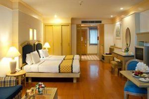 Springfield-Beach-Resort-Cha-Am-Thailand-Room.jpg