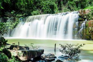 Sri-Dit-Waterfall-Petchaboon-Thailand-02.jpg