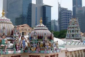Sri-Mariamman-Temple-Singapore-003.jpg
