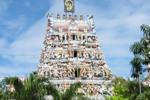Sri-Mariamman-Temple-Singapore-005.jpg
