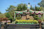 Suan-Ban-Kaew-Palace-Chanthaburi-Thailand-02.jpg