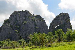 Suan-Hin-Pha-Ngam-Park-Loei-Thailand-03.jpg