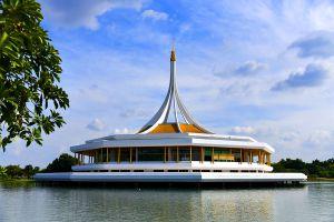 Suan-Luang-Rama-IX-Park-Bangkok-Thailand-01.jpg