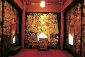 Suan-Pakkad-Palace-Museum-Bangkok-Thailand-02.jpg