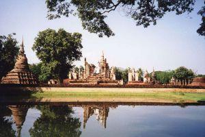 Sukhothai-Historical-Park-Thailand-002.jpg