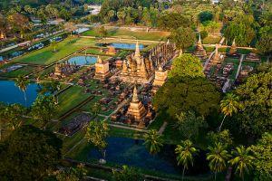Sukhothai-Historical-Park-Thailand-004.jpg