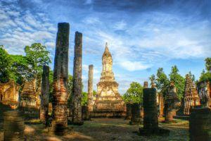 Sukhothai-Historical-Park-Thailand-005.jpg