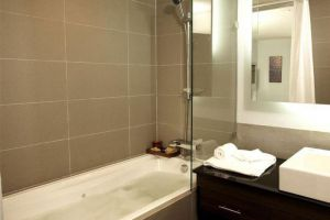 Sukhumvit-Suites-Hotel-Bangkok-Thailand-Bathroom.jpg