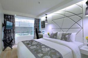 Sukhumvit-Suites-Hotel-Bangkok-Thailand-Room.jpg