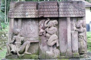 Sukuh-Temple-Central-Java-Indonesia-002.jpg