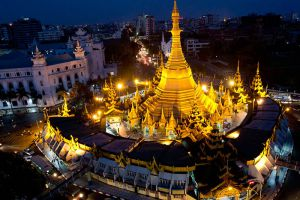 Sule-Pagoda-Yangon-Myanmar-002.jpg