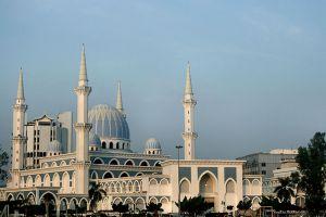 Sultan-Ahmad-Shah-State-Mosque-Pahang-Malaysia-002.jpg