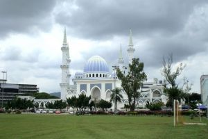 Sultan-Ahmad-Shah-State-Mosque-Pahang-Malaysia-003.jpg