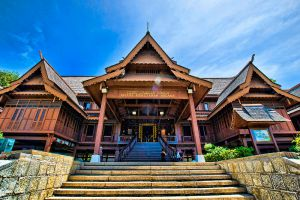 Sultanate-Palace-Museum-Malacca-Malaysia-001.jpg