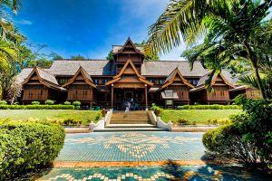 Sultanate-Palace-Museum-Malacca-Malaysia-002.jpg