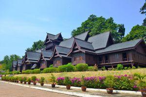 Sultanate-Palace-Museum-Malacca-Malaysia-003.jpg