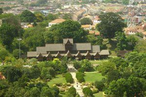 Sultanate-Palace-Museum-Malacca-Malaysia-006.jpg