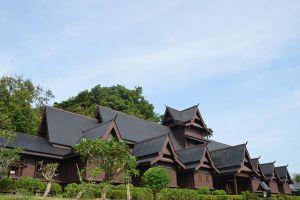 Sultanate-Palace-Museum-Malacca-Malaysia-009.jpg