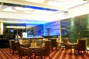 Sunlake-Hotel-Jakarta-Indonesia-Bar.jpg