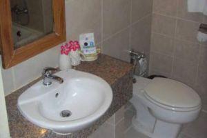 Sunshine-Garden-Resort-Pattaya-Thailand-Bathroom.jpg