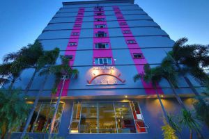 Sunshine-Vista-Hotel-Pattaya-Thailand-Facade.jpg