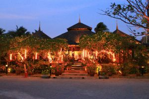 Supatra-By-The-Sea-Restaurant-Hua-Hin-Thailand-004.jpg