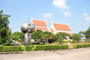 Supreme-Artist-Hall-Pathumthani-Thailand-06.jpg