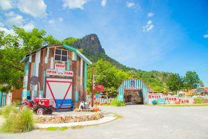 Swiss-Sheep-Farm-Pattaya-Chonburi-Thailand-01.jpg