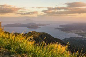 Taal-Lake-Cavite-Philippines-002.jpg