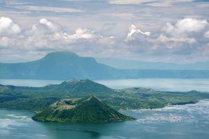 Taal-Lake-Cavite-Philippines-005.jpg