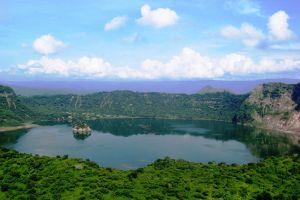 Taal-Lake-Cavite-Philippines-007.jpg