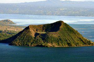 Taal-Volcano-Cavite-Philippines-001.jpg