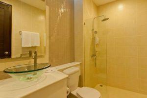 Tai‐Pan-Resort-Condominium-Hua-Hin-Thailand-Bathroom.jpg