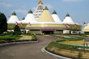 Taman-Mini-Indah-Jakarta-Indonesia-005.jpg
