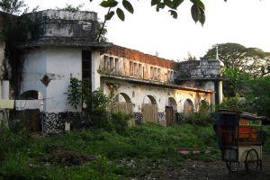 Taman-Suropati-Jakarta-Indonesia-002.jpg