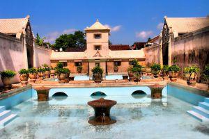 Tamansari-Water-Castle-Yogyakarta-Indonesia-001.jpg