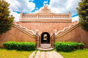 Tamansari-Water-Castle-Yogyakarta-Indonesia-002.jpg